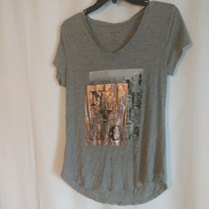 N.Y.C. apt.9 top size Medium